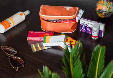 Аптечка туриста. Какие лекарства взять с собой в отпуск?